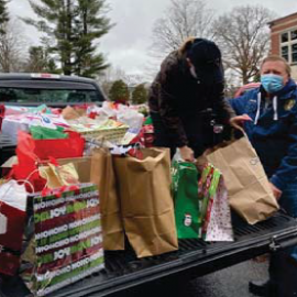"St. Paul ""Giving Tree"" Wrap-Up"